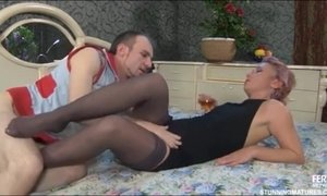 Tempting Short-Haired MILF Licks And Sucks Young Glans